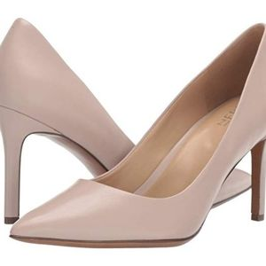 Naturalizer Anna Nude Pumps Size 9.5 Wide